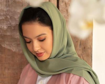 Netizen Terpesona Cantiknya Raline Shah Pakai Hijab: Ukhti Idola
