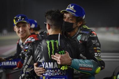 Lagi Terpuruk, Valentino Rossi Tetap Jadi Pembalap Favorit Vinales dan Luca Marini