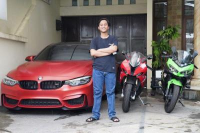 Kisah Mantan Tukang Parkir Lulusan SD Punya Mobil & Motor Mewah
