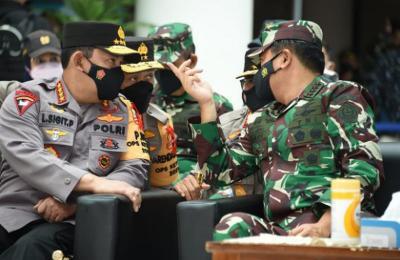 Foto-foto Panglima TNI & Kapolri Tinjau Penyekatan Mudik di Pelabuhan Merak