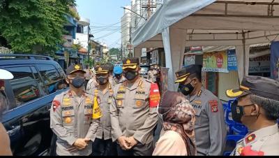 Wakapolda Metro Jaya Tinjau Vaksinasi Lansia di Paseban Jakpus