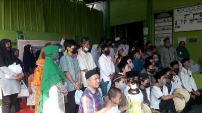 Hadrah Yayasan Yatim Nurum Qulub Sambut Kegiatan Santunan Baja Perindo di Sunter