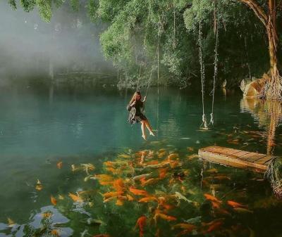 Telaga Biru Cicerem, Danau Cantik Sebening Kaca Bikin Terpesona