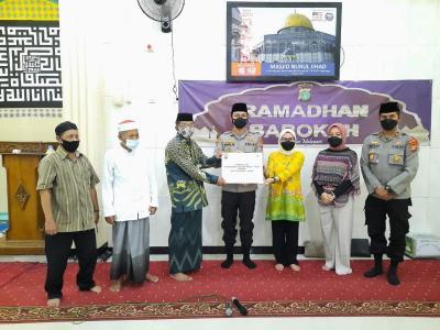 Polres Pelabuhan Tanjung Priok Bantu Percepat Renovasi Masjid & Ponpes Jelang Lebaran