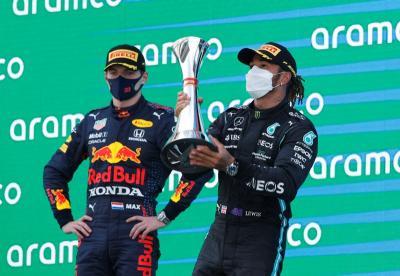 Pasrah, Bos Red Bull Akui Kemenangan Hamilton di F1 GP Spanyol 2021
