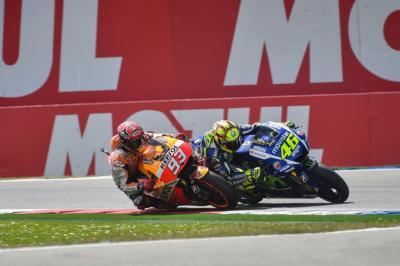 Marc Marquez dan Valentino Rossi Pensiun dari MotoGP, Apa Alasannya?