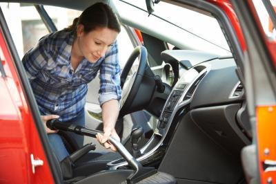 Cara Mudah Hilangkan Bau di Dalam Mobil, Bisa Dilakukan di Rumah