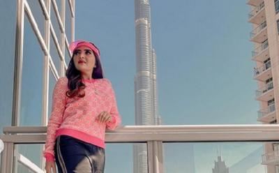 Intip Gaya Sporty Ashanty Berpose di Balkon Dubai
