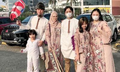 Salat Idul Fitri, Mulan Jameela dan Keluarga Kompak Pakai Busana Rose Gold