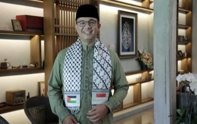 Gaya Kompak Baju Lebaran Anies Baswedan, Serba Hijau dan Syal Palestina