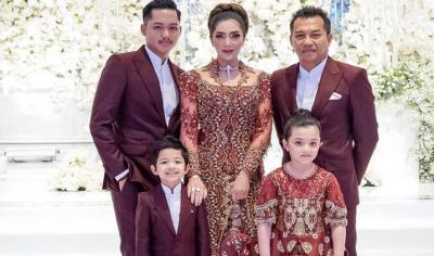Rayakan Ultah Pernikahan, Anang Ashanty Dapat Surat Cinta dari Anak-anak