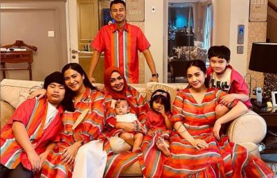 Tampil Kompak, Begini Suasana Lebaran di Rumah Raffi Ahmad