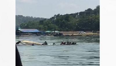 Penumpang Asyik Selfi, Penyebab Perahu Terbalik di Waduk Kedung Ombo