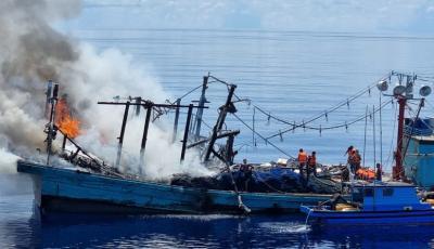 Aksi Heroik TNI AL Selamatkan 27 ABK Terjebak Kebakaran di Natuna Utara