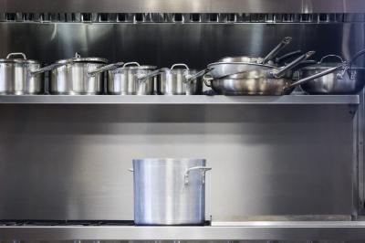 5 Ide Penyimpanan Dapur Mirip Desain Restoran