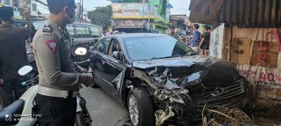 2 Bayi Terpental Akibat Kecelakaan Beruntun di Bekasi