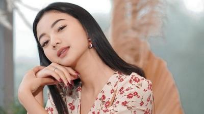 4 Koleksi Dress Cantik Glenca Chysara, Paling Mahal Rp8 Jutaan!