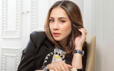 Outfit Lebaran Nagita Slavina Tembus Rp100 Jutaan, Netizen: Gamisku Menangis Lihat Ini