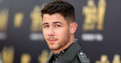 Alami Cedera Serius, Nick Jonas Dilarikan ke Rumah Sakit