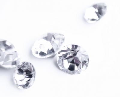 Pecahkan Rekor, Berlian Mirip Bunga Sakura Dilelang Rp542 Miliar