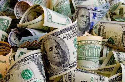 Dolar AS Melemah Terseret Kekhawatiran Inflasi Tinggi