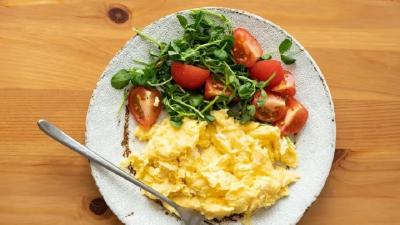 Tips Hangatkan Makanan Sisa Semalam untuk Sarapan Tanpa Merusak Tekstur