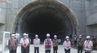 Jokowi Bawa Kabar Gembira! Kereta Cepat Jakarta-Bandung Beroperasi Akhir 2022