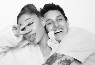 Gelar Acara Tertutup, Ariana Grande dan Dalton Gomez Resmi Menikah