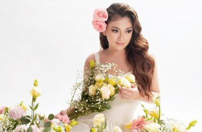 Potret Hot Mom Celine Evangelista, Netizen: Sayang Kalau Pisah Ranjang