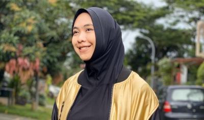 Disebut sebagai Istri Siri Alm Uje, Oki Setiana Dewi: Itu Guru Saya