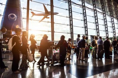 Duh, Penumpang Maskapai India Tinggalkan Kotoran Sapi di Bandara