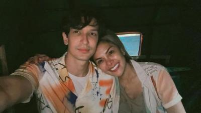 Dikabarkan Bakal Menikah, Begini Kemesraan Dimas Beck dan Nikita Mirzani