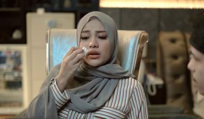 Menangis 4 Jam Kontraksi Perdarahan, Aurel Hermansyah: Perutku Sakit Banget!