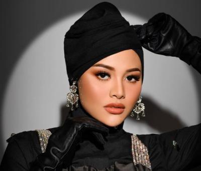 Intip Gaya Hijab Glamor Aurel Hermansyah, Cantik Banget Mirip Bule Turki