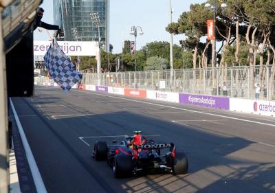 Hasil Race F1 GP Azerbaijan 2021: Sergio Perez Menang, Hamilton dan Verstappen Merana