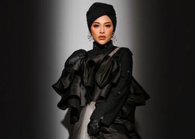Aurel Hermansyah Cantik dengan Gaya Hijab Glamor, Netizen Ramai-Ramai Beri Pujian