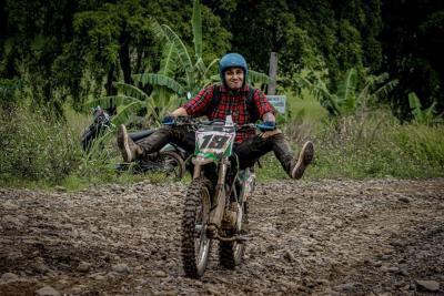 4 Selebriti yang Hobi Naik Motor Trail, Nomor 3 Dijuluki Joki Tong Setan