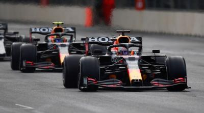 Duet Perez dan Verstappen Dianggap Paling Kuat di F1 saat Ini