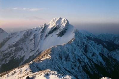 Inilah Jade Mountain, Gunung Tertinggi di Taiwan yang Mendunia