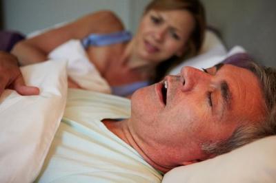 Kesal Pasangan Pasangan Sering Ngorok, Atasi dengan Akupunktur