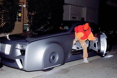 Kencan Bareng Istri, Justin Bieber Pamer Rolls-Royce Wraith Futuristik Miliknya