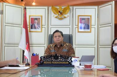 Menko Airlangga Pantau Vaksinasi 23.034 Buruh di Batam