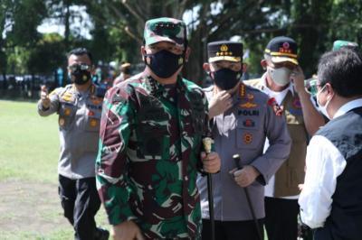 Kunjungi Bangkalan, Panglima: TNI-Polri Siap Laksanakan Serbuan Vaksinasi Covid-19