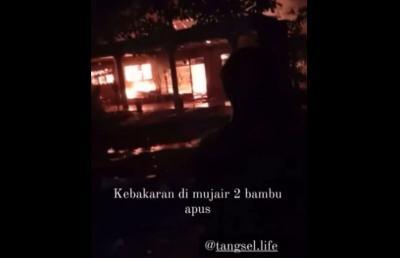 Kebakaran Hebat Melanda Perumahan di Pamulang