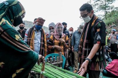 Bangun Desa Wisata Ciptakan Lapangan Kerja, Sandiaga Uno: Gerakkan Ekonomi