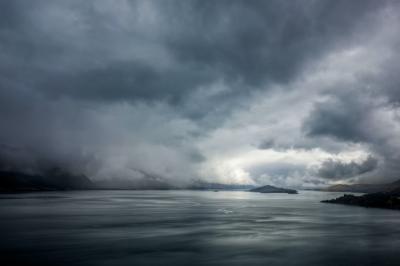Alquran dan Sains Jelaskan Adanya Gelombang Besar di Laut Dalam