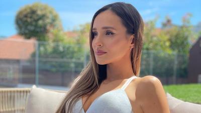 4 Potret Seksi Marina Luczenko, Penyanyi Cantik Istri Kiper Polandia di Euro 2020