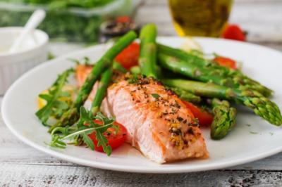 Ini Dia 4 Nutrisi Utama Ikan Salmon yang Menyehatkan Tubuh Anda