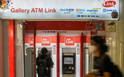 Akhirnya! Biaya Tarik Tunai dan Cek Saldo di ATM Link Dibatalkan