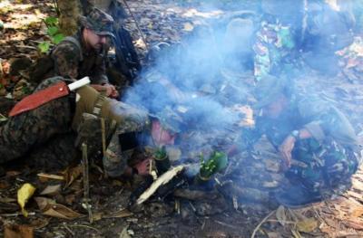 Marinir TNI AL Latih Pasukan Khusus Amerika Makan Ular dan Biawak
